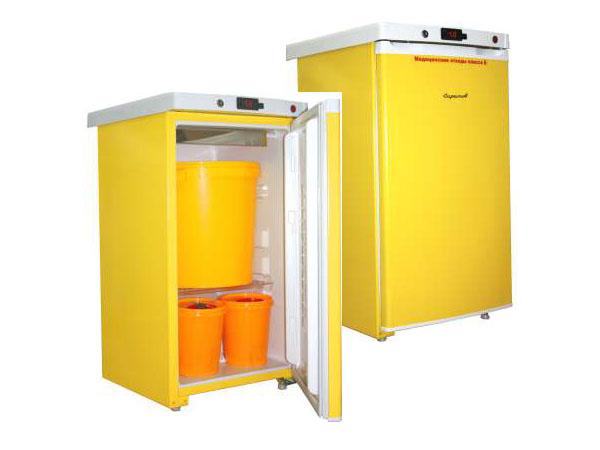 """Холодильник для хранения медицинских отходов класса """"Б"""" Саратов 508М в комплекте с 3 баками"""