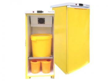 """Холодильник для хранения медицинских отходов класса """"Б"""" Саратов 501М в комплекте с 3 баками"""
